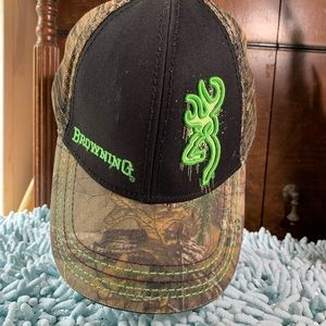 Browning camo cap new wo tags T0206-5